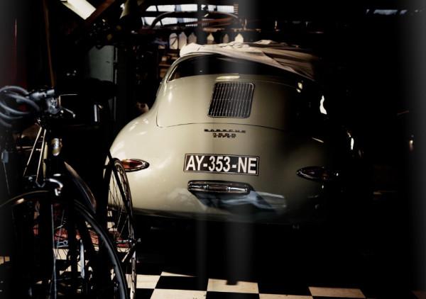 Le v lo vert du garage moderne bike caf for Garage moderne du tremblay