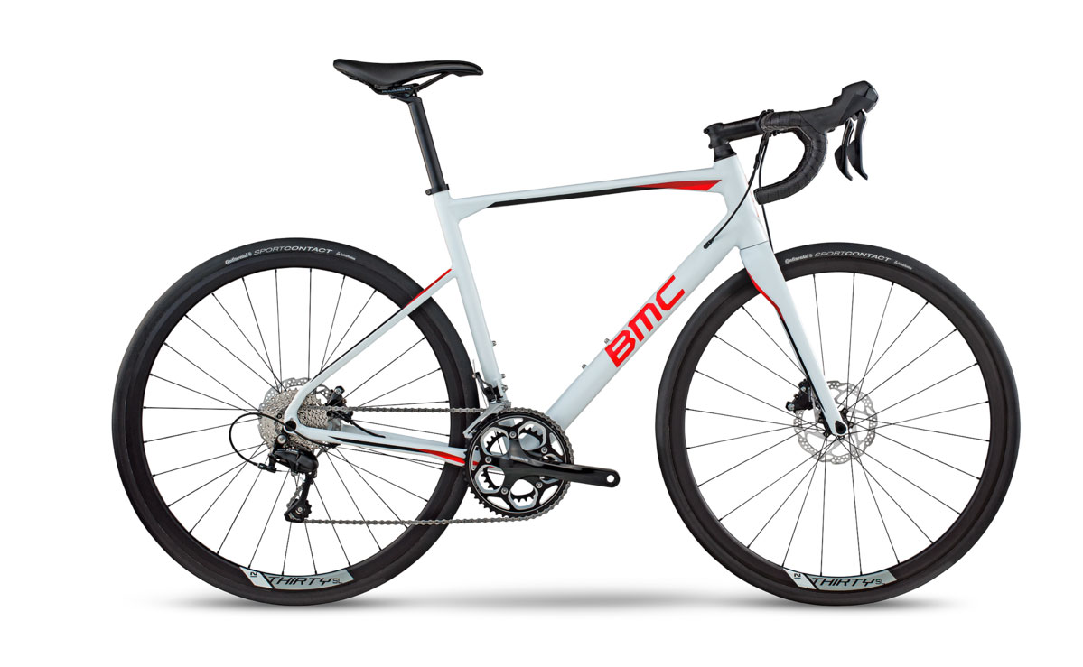 Le nouveau BMC Roadmachine 03 ... La marque Suisse sait réaliser des vélos alu qui reprennent le design des vélos carbone de leur catalogue - photo BMC