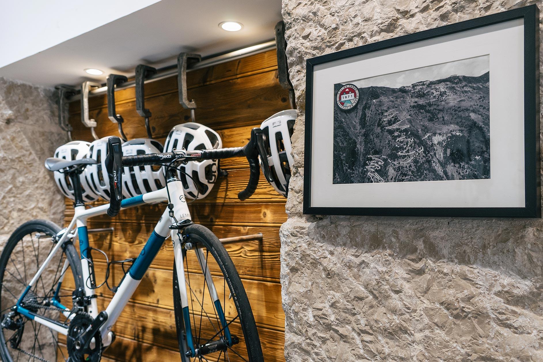 cols-à-la-carte-prints-copper-house-café-du-cycliste
