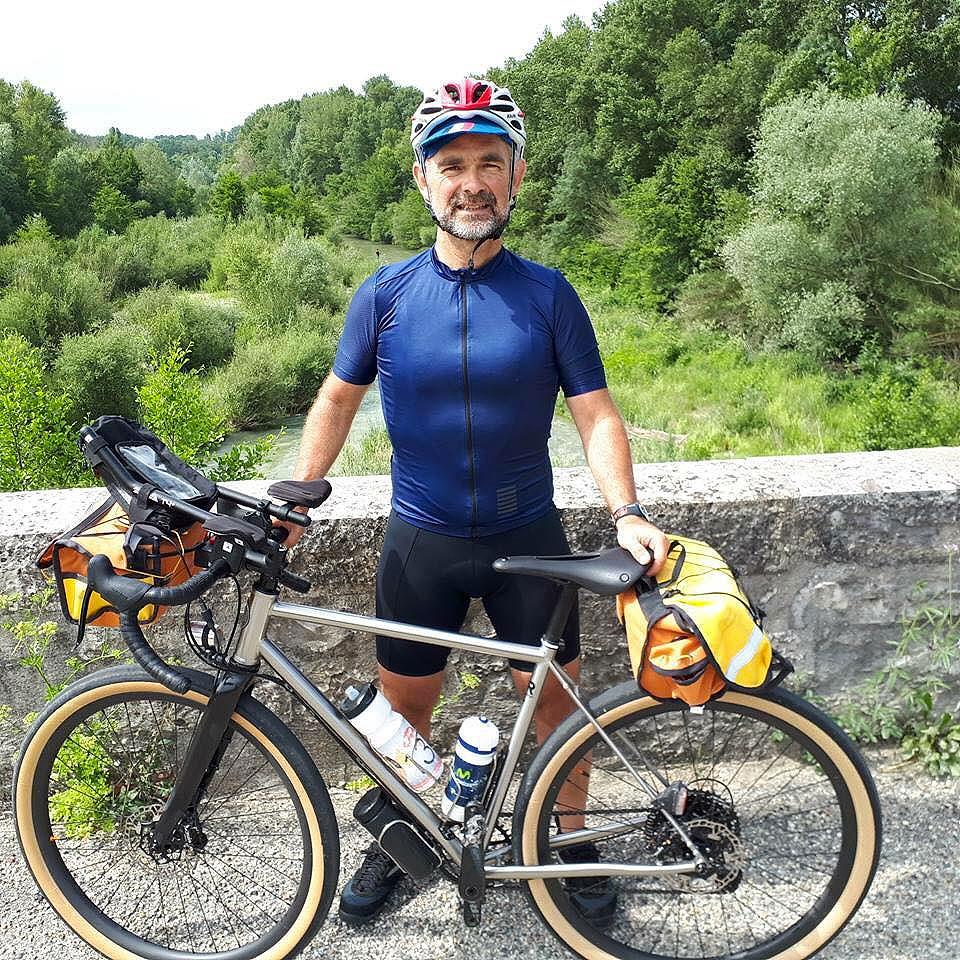 """Mathieu devenu """"pionnier"""" d'une aventure cycliste inconnue et pilote """"essayeur"""" d'une nouvelle machine ..."""