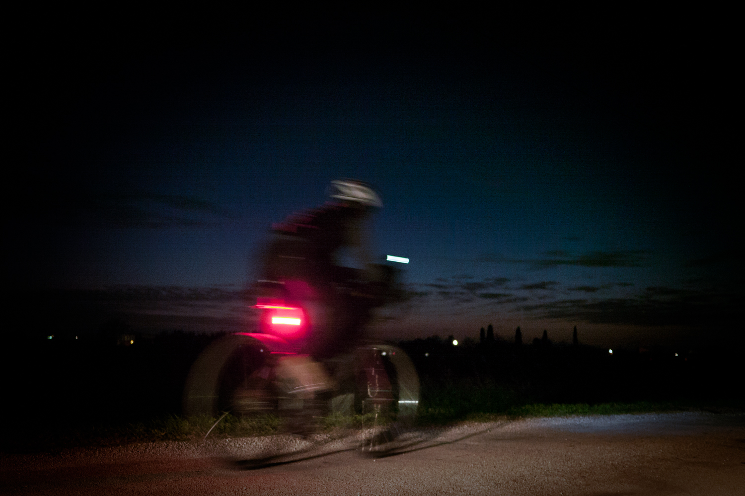 Rapha Festive 500 - Cycling Woman by night - Supernova light E3 pro 2 02