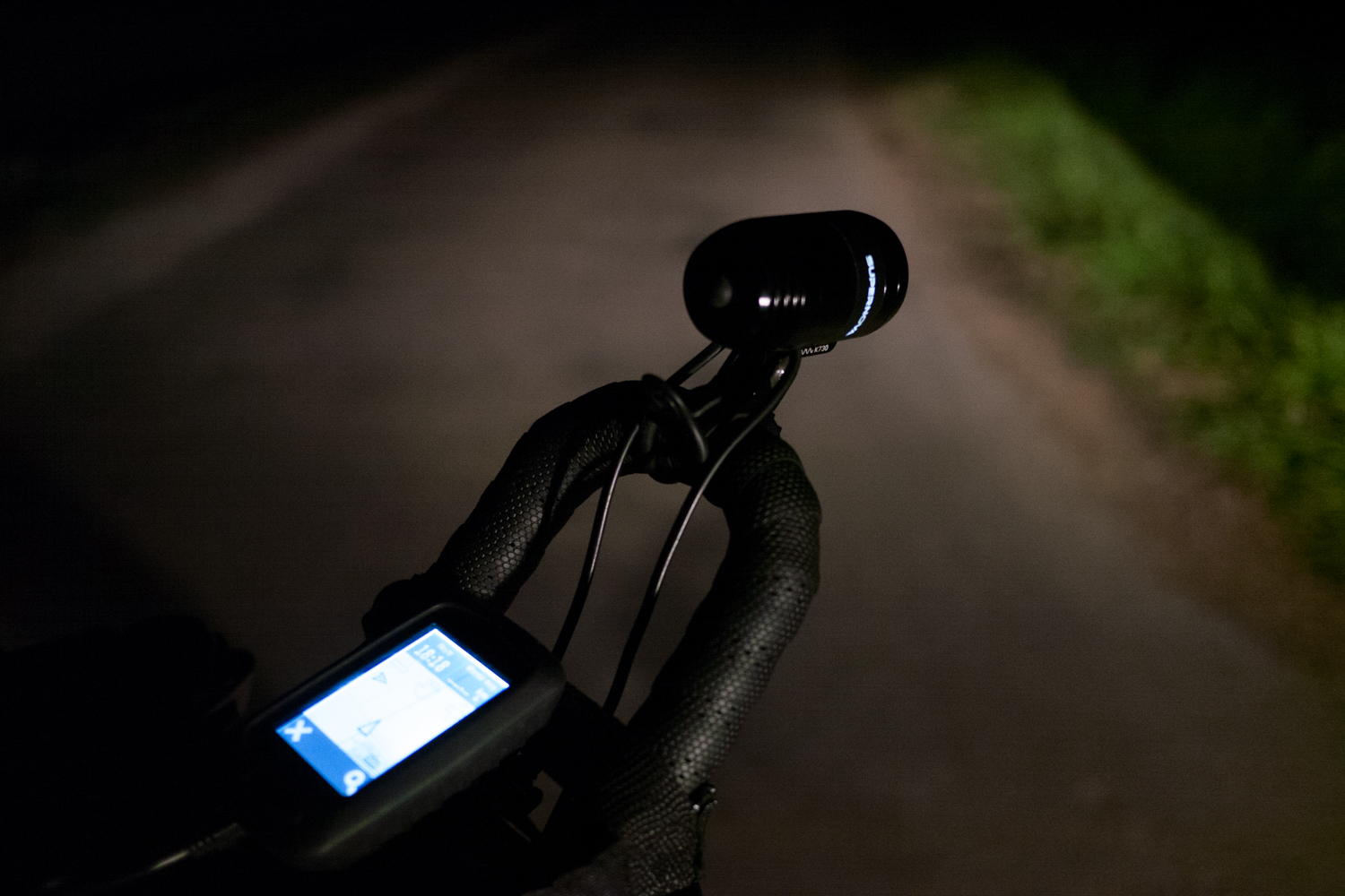 Rapha Festive 500 - Cycling Woman by night - Supernova light E3 pro 2 03