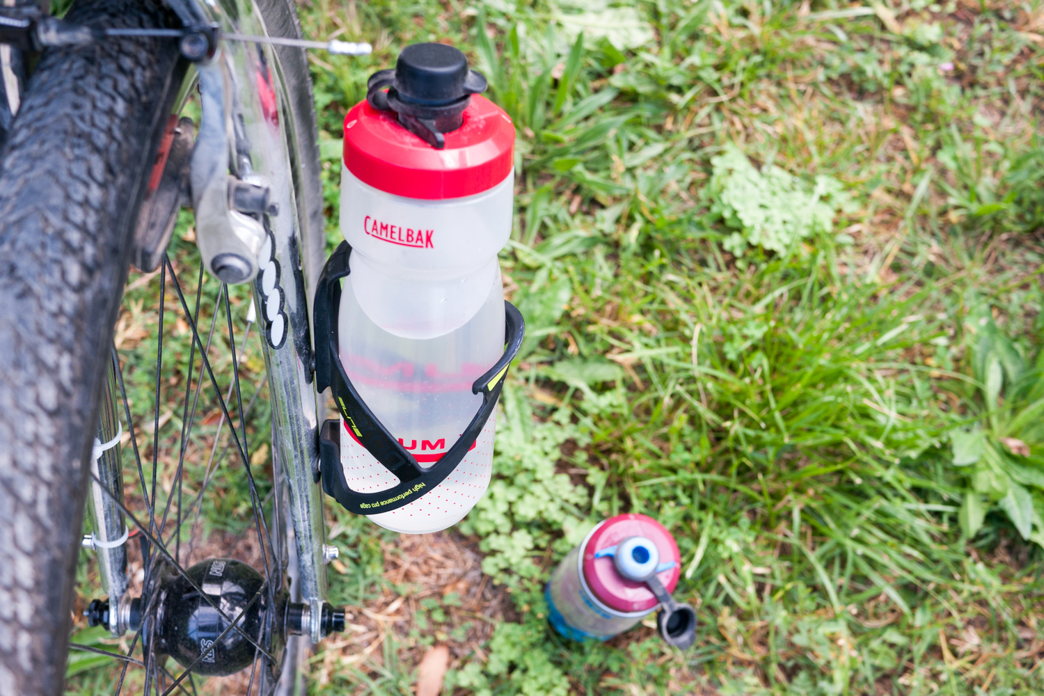 Blackburn Outpost cage waterbottle Camelbak Podium water