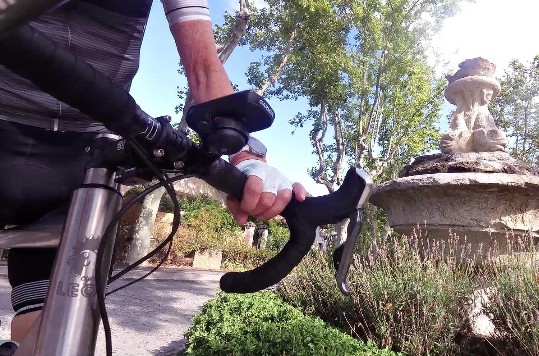 J'ai une sonnette sur mon vélo ... on ne la voit pas mais on l'entend - photo Bike Café