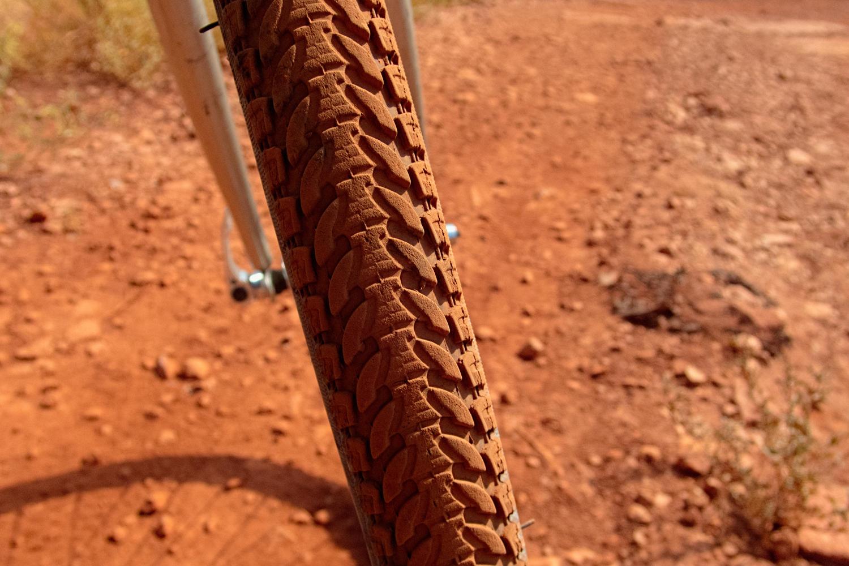 D.F.C.I : les 4 lettres du bonheur Petit guide pour choisir ses pneus de gravel