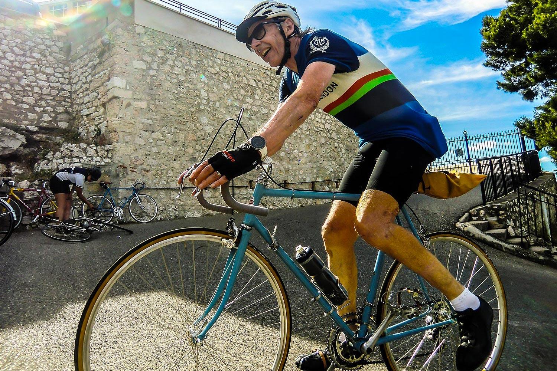 Une sortie longue de 150 km en vélo vintage avec une arrivée difficile en haut de la Bonne Mère - photo La Bonne Mère Classic