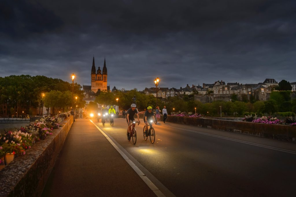 Du vélo gravel la nuit, c'est possible