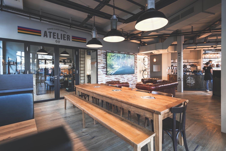 Tête de Course : un bike café suisse bien sympathique