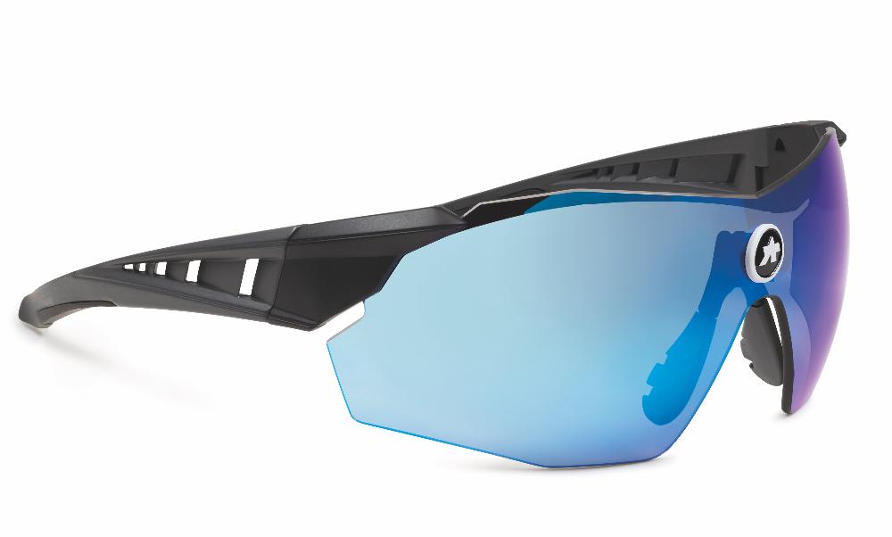 Les nouvelles lunettes Assos Skharab pour le gravel