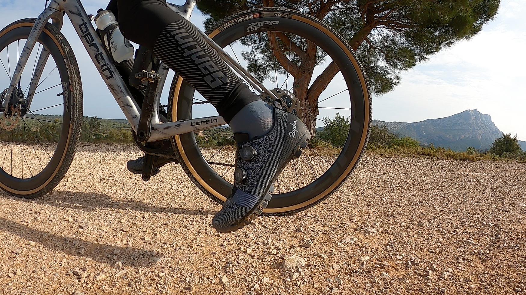 Test des chaussures gravel Rapha Explore Powerweave