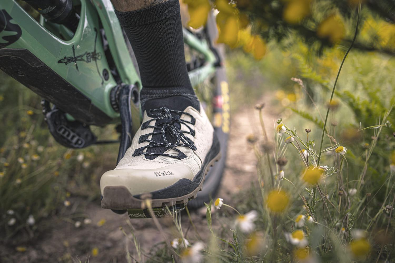 Les nouvelles chaussures de gravel par Fizik