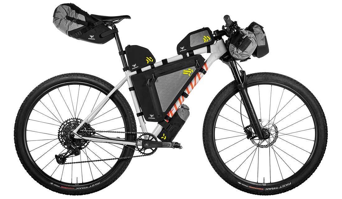 Apidura Backcountry : la gamme de sacoches vélo bikepacking remise à jour