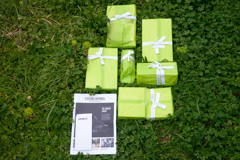 Q36.5 Cycling Apparel high end packaging shipping