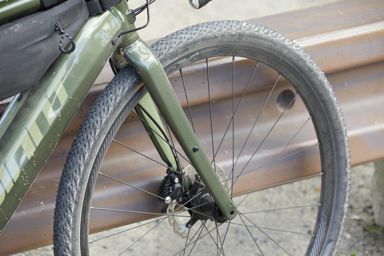 Gravel électrique Giant RevoltE+PRO - reportage Bike Café