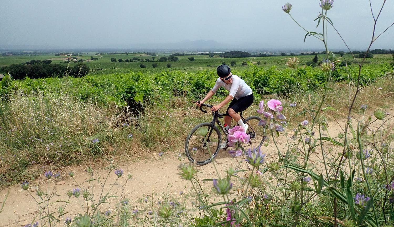 Fabien A. Simpe gravel cyclist Orange Vaucluse Arles gravel