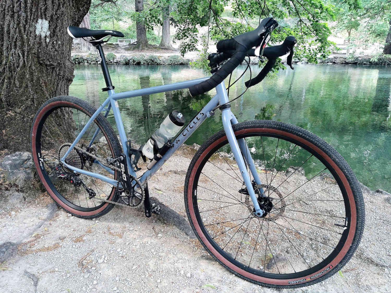 MW CYCLES Gravel bike café