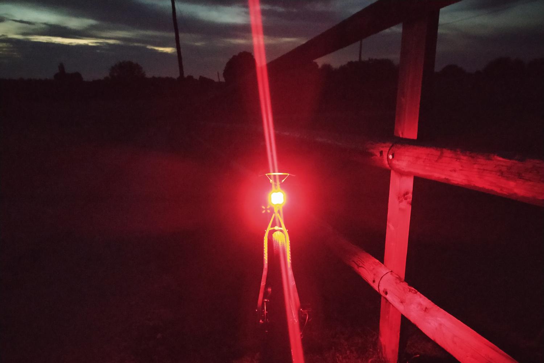 Éclairages RAVEMEN avant CR1000 et arrière CL06, polyvalence et ingéniosité