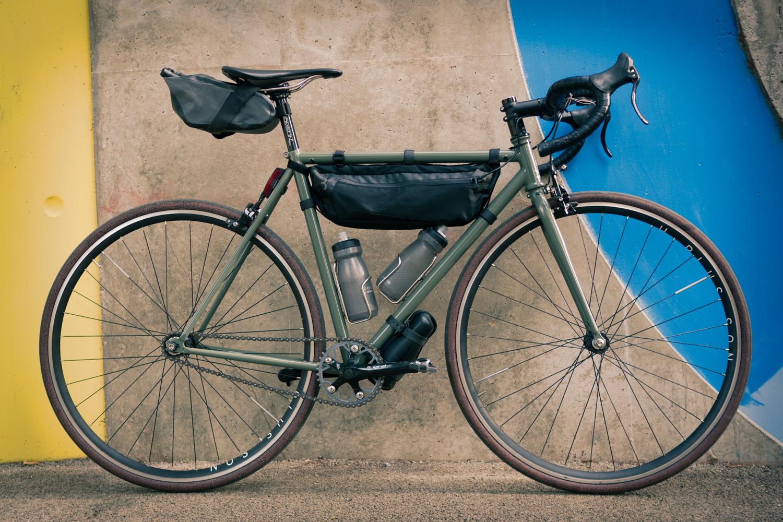 Hutchinson Fusion 5 LTD Gridskin bikepacking fixed gear bike